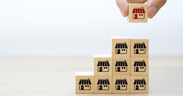 CobbleStone helps to improve retail property contract management.
